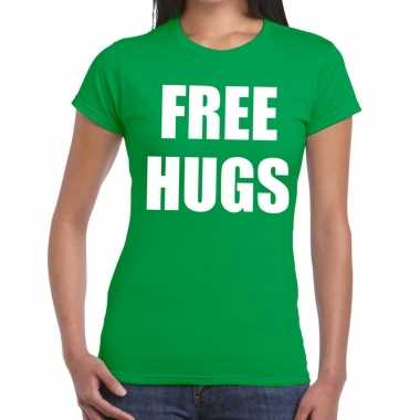 Free hugs fun t-shirt groen voor dames