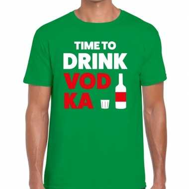Groen time to drink vodka fun t-shirt voor heren