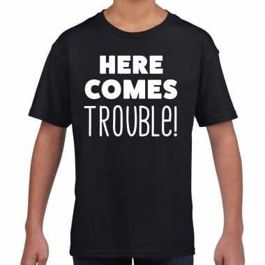 Here comes trouble fun t-shirt zwart voor kids