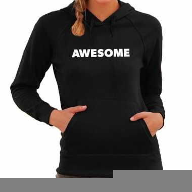 Hooded sweater zwart met awesome bedrukking voor dames