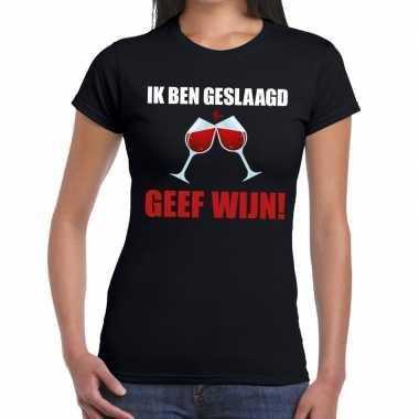 Ik ben geslaagd geef wijn zwart fun-t shirt voor dames