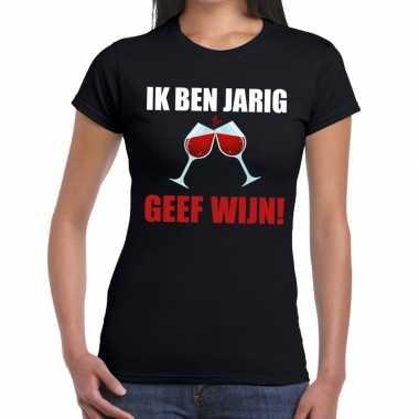 Ik ben jarig geef wijn zwart fun-t shirt voor dames
