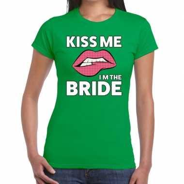 Kiss me i am the bride groen fun-t shirt voor dames