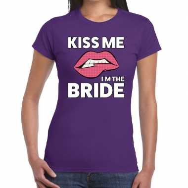 Kiss me i am the bride paars fun-t shirt voor dames
