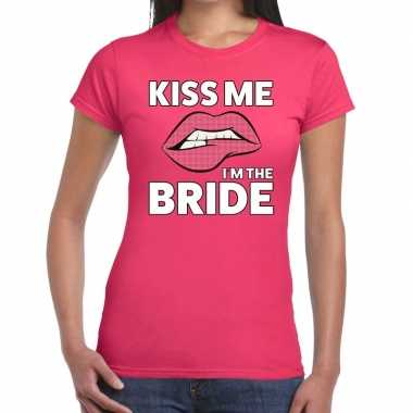 Kiss me i am the bride roze fun-t shirt voor dames