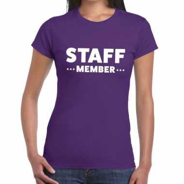 Personeel t-shirt paars met staff member bedrukking voor dames