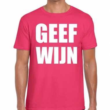 Roze geef wijn fun t-shirt voor heren