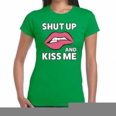 Shut up and kiss me groen fun-t shirt voor dames