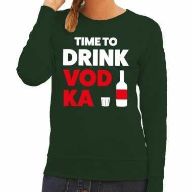Time to drink vodka fun sweater groen voor dames