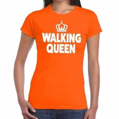 Walking queen oranje fun-t shirt voor dames
