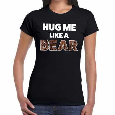 Zwart hug me like a bear fun t-shirt voor dames