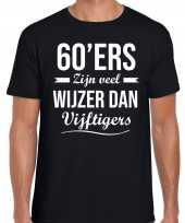 60 jaar verjaardags shirt kleding 60ers zijn veel wijzer dan vijftigers zwart voor heren