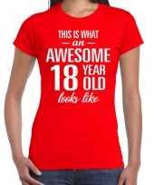 Awesome 18 year cadeau verjaardag t-shirt rood voor dames