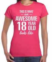Awesome 18 year cadeau verjaardag t-shirt roze voor dames