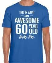 Awesome 60 year verjaardag cadeau t-shirt blauw voor heren
