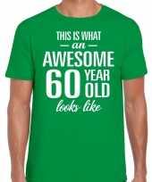 Awesome 60 year verjaardag cadeau t-shirt groen voor heren
