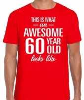 Awesome 60 year verjaardag cadeau t-shirt rood voor heren