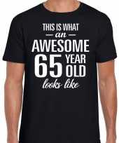 Awesome 65 year verjaardag cadeau t-shirt zwart voor heren
