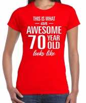 Awesome 70 year cadeau t-shirt rood voor dames