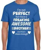 Freaking awesome brother broer cadeau t-shirt blauw voor heren