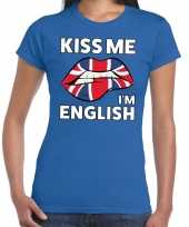 Kiss me i am english blauw fun t-shirt voor dames