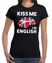 Kiss me i am english zwart fun t-shirt voor dames