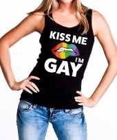 Kiss me i am gay tekst fun tanktop shirt zwart dames