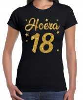Zwart hoera 18 jaar verjaardag t-shirt voor dames met gouden glitter bedrukking